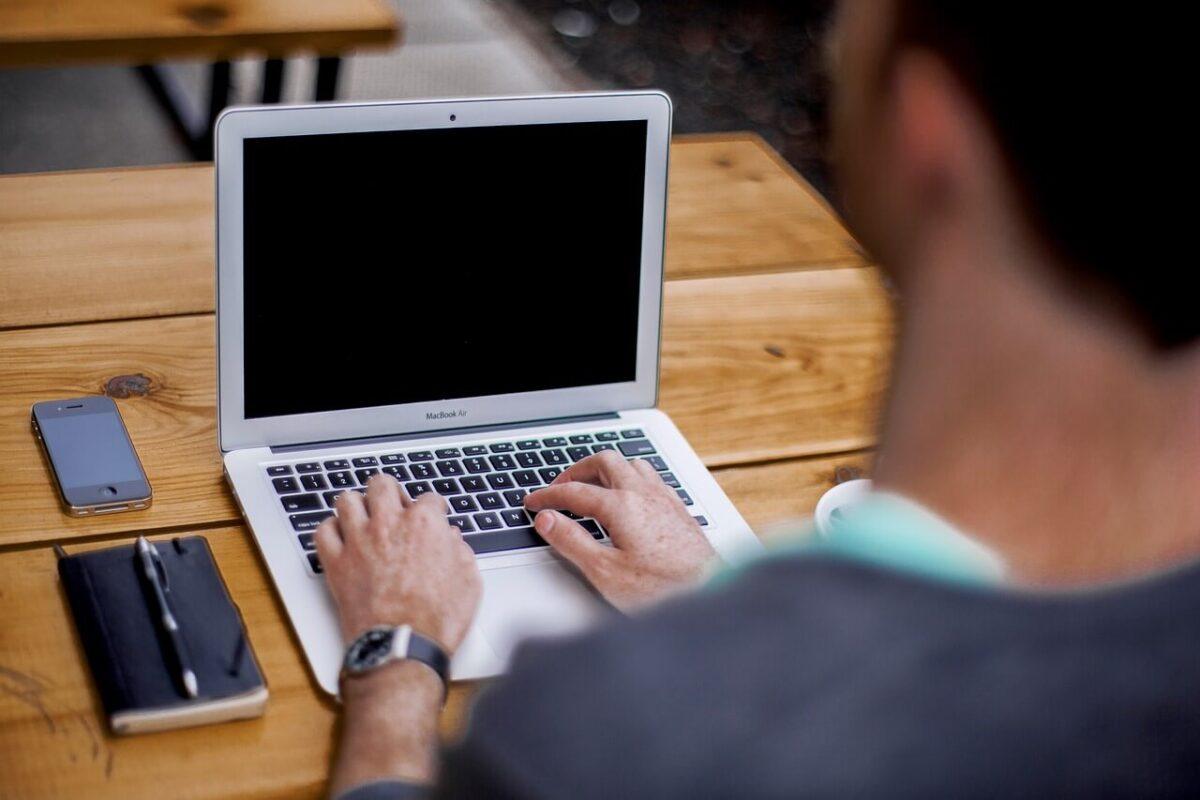 Sprawdź, jak napisać artykuły do portali internetowych w pięciu krokach!